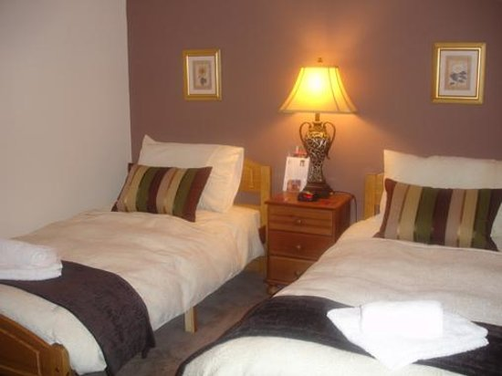 Hollyhouse Bed and Breakfast
