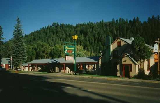 Pinewood Inn