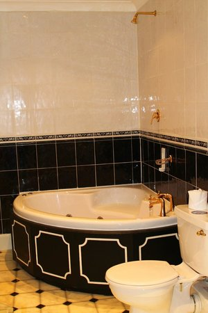 The Bell Hotel:                   jacuzzi bath