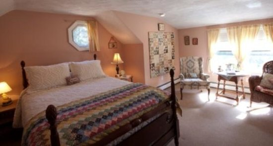 Cobblestone Cottage Bed & Breakfast