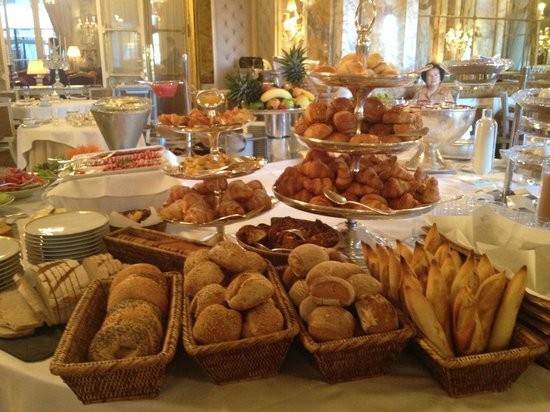 Hotel de Crillon:                   Best way to wake up and start the day