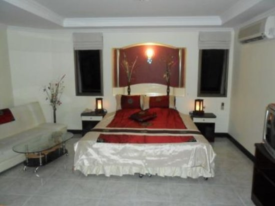 Photo of Adonis Guest House Patong