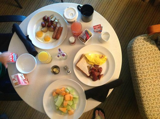 Lakeway Resort and Spa:                   In room dining - breakfeast