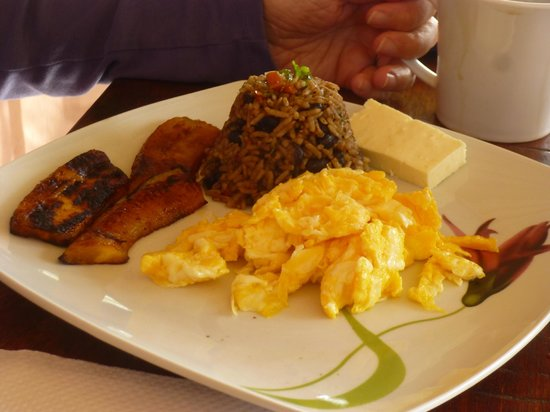 Hotel Rancho Cerro Azul:                   Tipical breakfast to start your day!