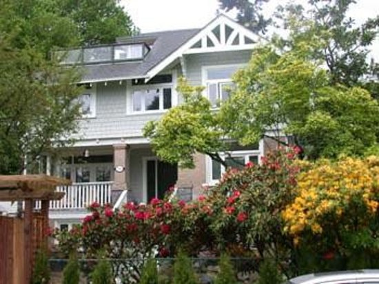 Photo of Kitsilano Garden Suites Vancouver