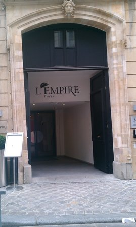 L'Empire Paris:                   Entrance