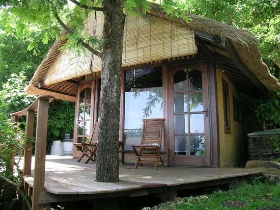 Suara Ombak Cottages