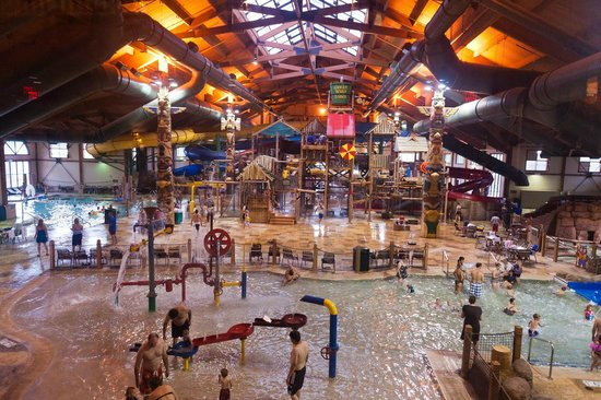 Great Wolf Lodge:                   pool