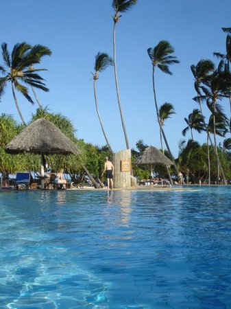 Neptune Pwani Beach Resort Spa:                   piscina