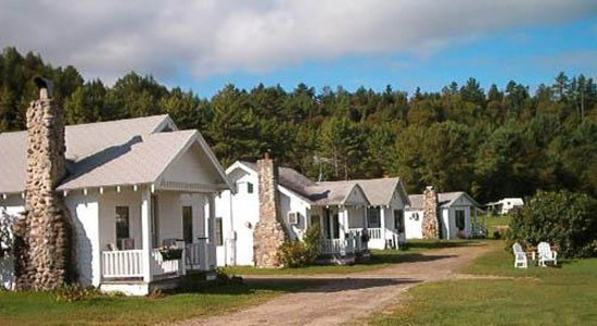 Twin River Campground and Cottages