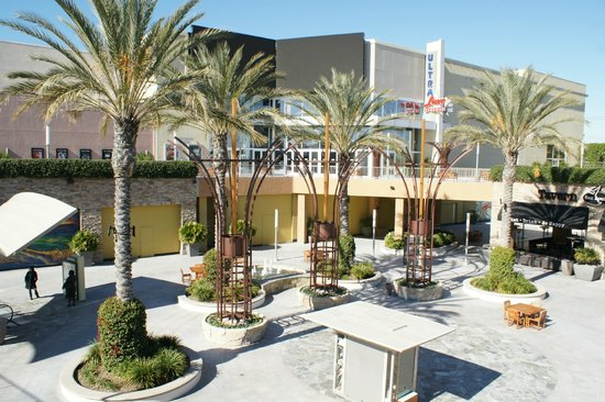 Anaheim Islander Inn and Suites:                   Part of the shopping mall with escalators to the upper floors