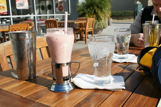 Anaheim Islander Inn and Suites:                   Super Milkshake just has to be done
