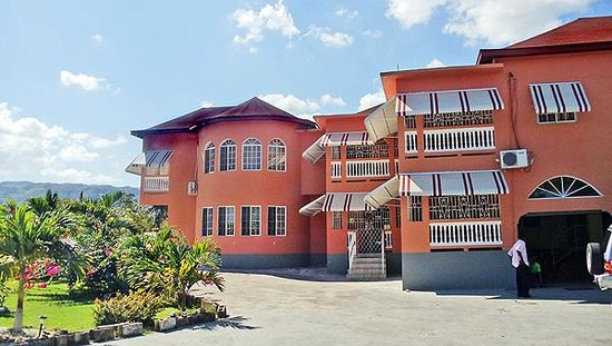 Blair's Palm View Resort