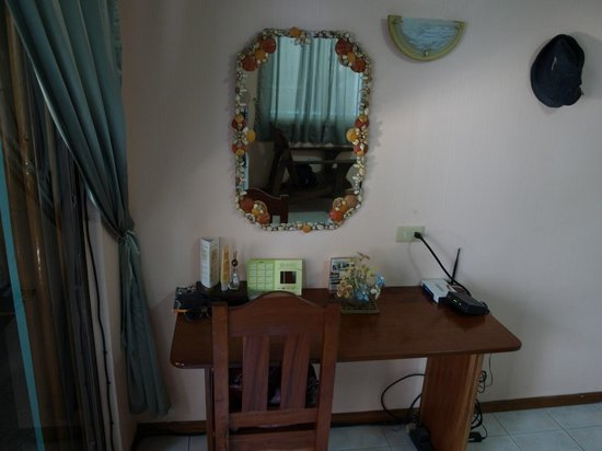 Blue Coral Resort:                                     Little table