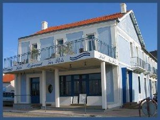 Photo of Hotel Les Flots Chatelaillon-Plage