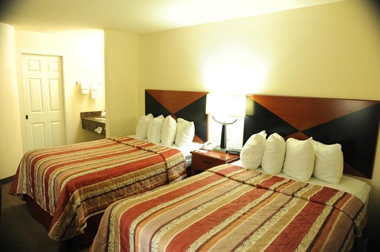 Sleep Inn: Guest room with two beds