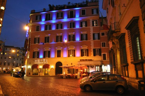 Accademia Hotel:                   Vista del Hotel Accademia