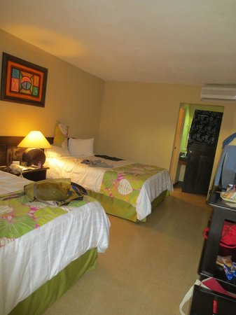 Coco Beach Hotel and Casino:                                     room, comfy beds