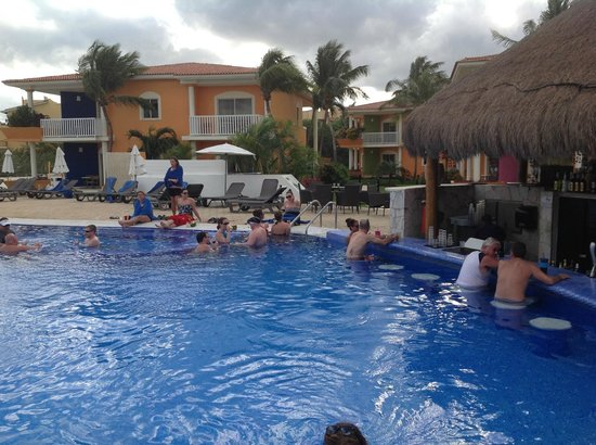 Ocean Maya Royale:                   Activity pool