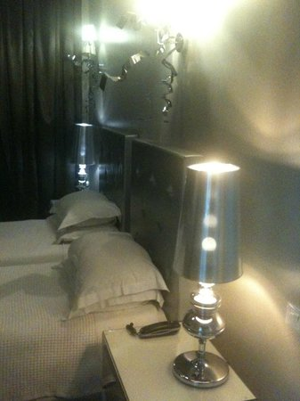 Athens Diamond Hotel:                   My room... wow!