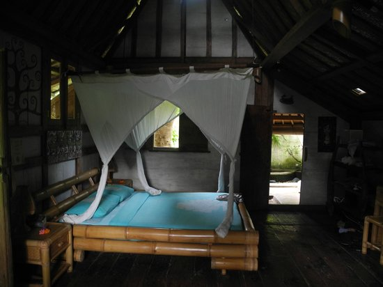 Swasti Eco Cottages:                   inside the bungalow
