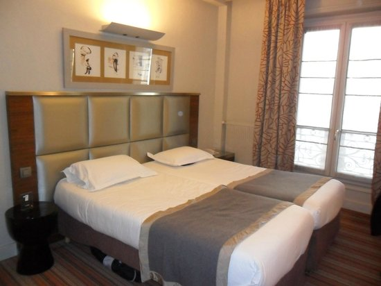Hotel Berne Opera:                                     Our comfortable bedroom