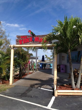Clewiston, FL:                   Entrance to Tiki Bar