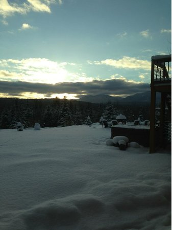 Bear Mountain Lodge:                                     Sublime morning at Bear Mtn. Lodge