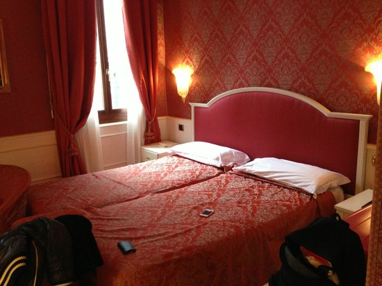 Duodo Palace Hotel:                   letto