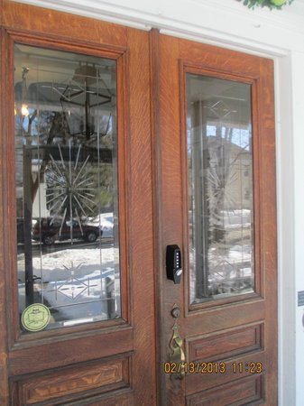 Maine Stay Inn and Cottages:                   the original front doors with ornate glass