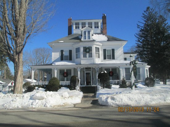 Maine Stay Inn and Cottages:                   Maine Stay Inn on Maine Street