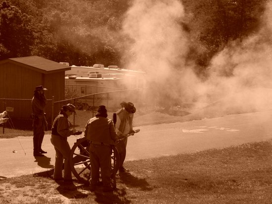 Harpers Ferry KOA:                   Civil War reenactment