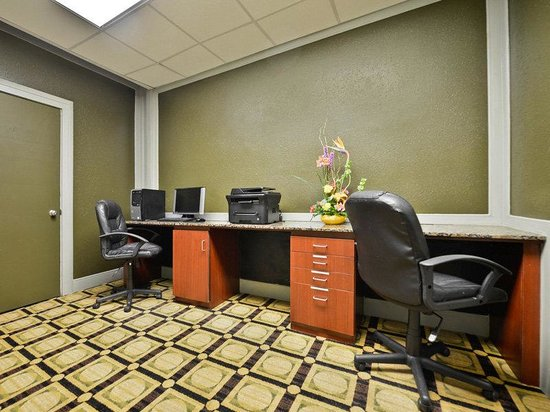 La Quinta Inn &amp; Suites Indianapolis South: Business Center