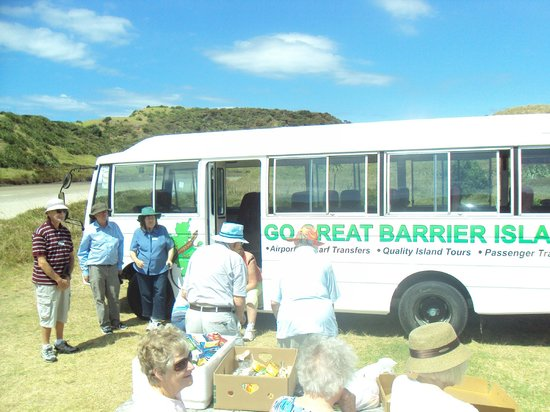 Go Great Barrier Island - Day Tours: Lunchtime for Leisuretime Tours... not a bad restaurant at Awana!