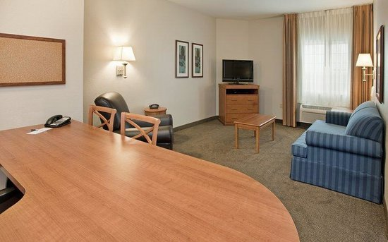 Candlewood Suites Northeast: One Bedroom Suite Living Room Area