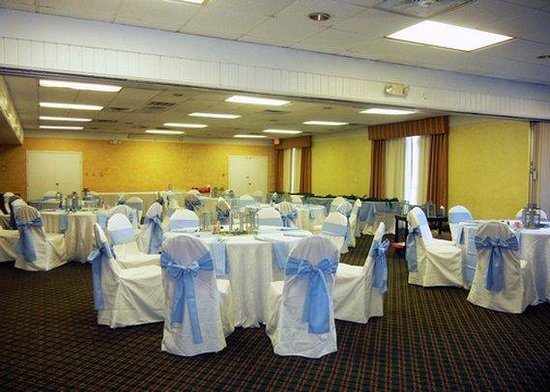 Quality Inn and Suites: FLBanquet Room