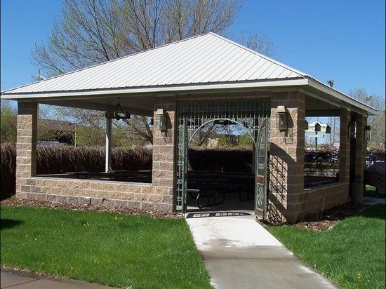 Bismarck, ND: Outdoor Picnic Area
