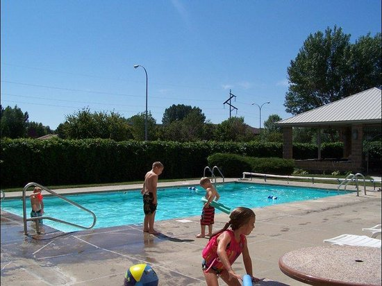 Bismarck, ND: Outdoor Pool
