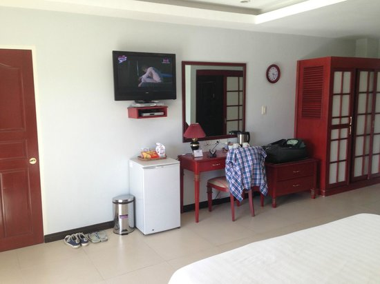 Wild Orchid Resort:                   Laggon balcony Room