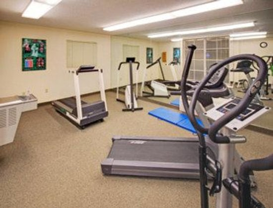 Hawthorn Suites by Wyndham Omaha: Fitness Centre