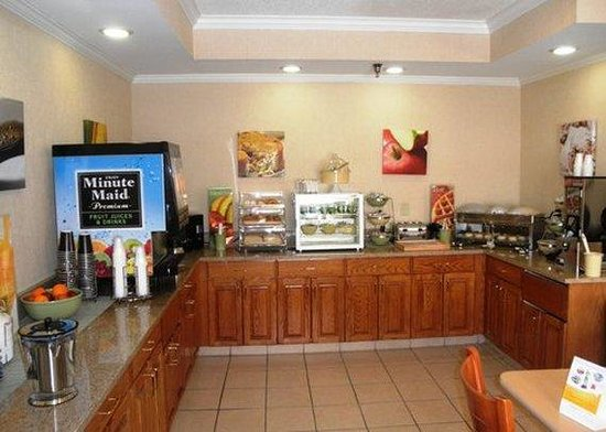 Quality Inn & Suites Coralville: Restaurant