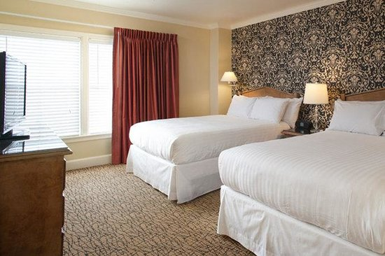 The Lafayette Hotel, Swim Club & Bungalows: Manor Two Queen Beds