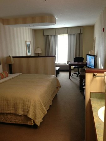 Phoenix Inn Suites Olympia: Large room