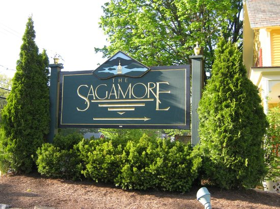 The Sagamore: Entrance
