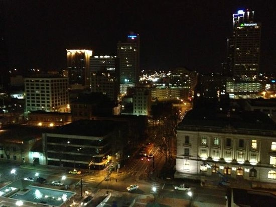 Doubletree Hotel Little Rock: city view from balcony