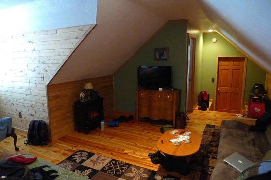Grand Marais, MI:                   Black Bear Honeymoon suite - looking toward the door