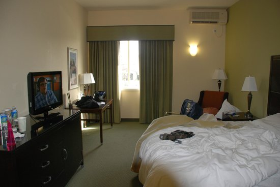 DoubleTree by Hilton Hotel & Spa Napa Valley - American Canyon:                   Our room #218
