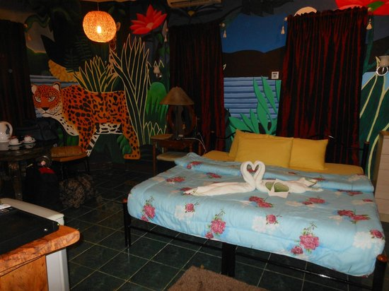 ALTA Cebu Resort:                   Deluxe room