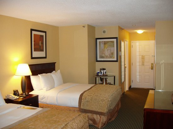 Hilton Arlington:                   Suite