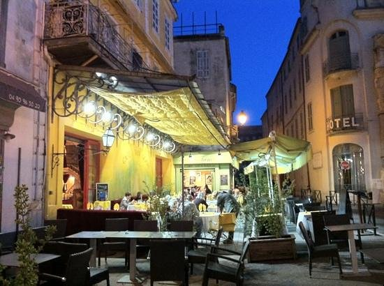 夜のカフェテラス Picture Of Place Du Forum Arles Tripadvisor